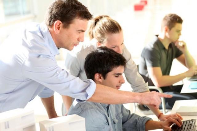 人で業績を伸ばす!小さな会社が取り入れたい人材育成のコツ